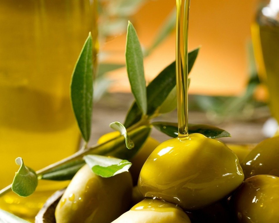 Looking for the perfect food Extra-virgin olive oil: Goodness that does you good (PRNewsFoto/Grapho s.r.l.)
