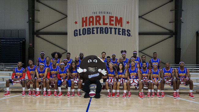 Entenmann's(R) Donuts teams up with the world famous Harlem Globetrotters for the 2017 season.