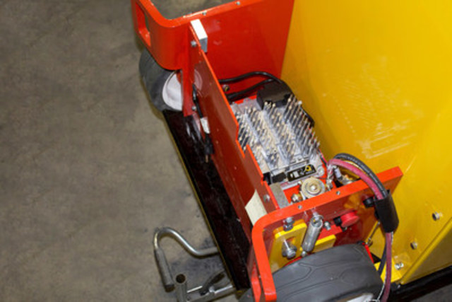 The WolfLifT hydraulic-free lift will use Delta-Q's 24V IC650 industrial and motive battery charger. (CNW Group/Delta-Q Technologies Corp.)