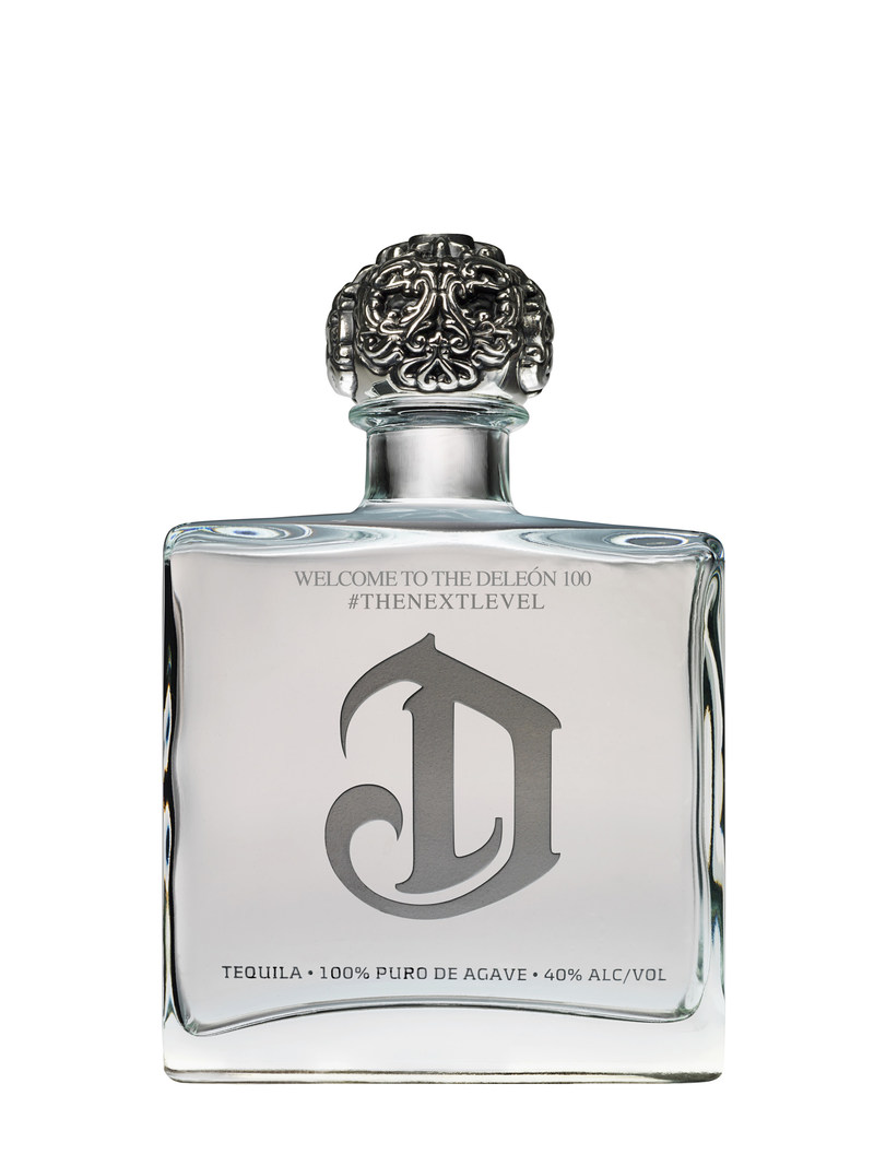 """Sean """"Diddy"""" Combs and DeLeon Tequila toast to the DeLeon 100 powered by Billboard."""