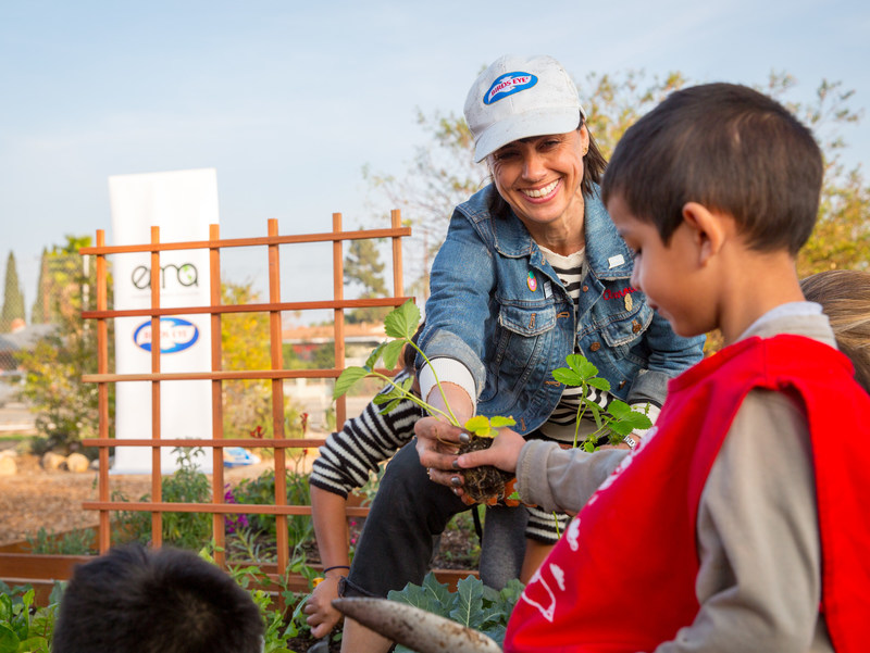 Constance Zimmer plants a garden for students in Santa Ana, Calif. with Birds Eye Vegetables and the Environmental Media Association.  The garden will be enjoyed and used as a learning tool by schools in the area.