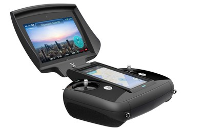 The remote controller of XDynamics Evolve is a smart pilot system which embeds a 7-inch viewfinder, 5-inch touch control panel, processing hardware, and software in an all-in-one package.