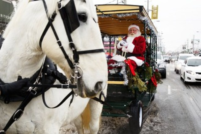 Santa pays with PayPal on the Green P app to park his carriage at Bayview Ave. and Millwood Rd. in Toronto (CNW  ...