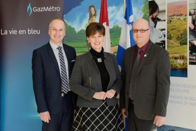 Left to right: Stéphane Santerre, Senior Director, Operations at Gaz Métro, The Honourable Marie-Claude Bibeau, Minister of International Development and La Francophonie and Member of Parliament for Compton–Stanstead and Mr. Hugues Grimard, prefect of Des Sources RCM and mayor of Asbestos (CNW Group/Gaz Métro)