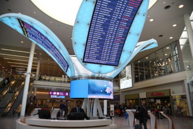 Les conseillers aux services aux passagers de Toronto Pearson sont à la disposition des voyageurs toute l'année aux aérogares de l'aéroport. (Groupe CNW/Toronto Pearson)