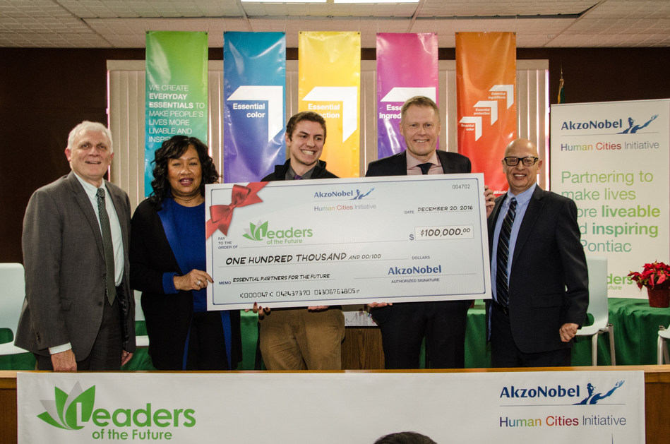 AkzoNobel presented Leaders of the Future, a youth leadership incubator in Pontiac, MI, with a $100,000 AkzoNobel Human Cities Grant to fund educational scholarships and community service projects in Pontiac. Pictured (L-R) are: Dan Hunter, Deputy Director, Oakland County Economic Development & Community Affairs; Pontiac Mayor Dierdre Waterman; Anders Engnell, CEO, Leaders of the Future; Johan Landfors, President, AkzoNobel North America; and Rick Rucoba, Public Affairs Manager, AkzoNobel North America.
