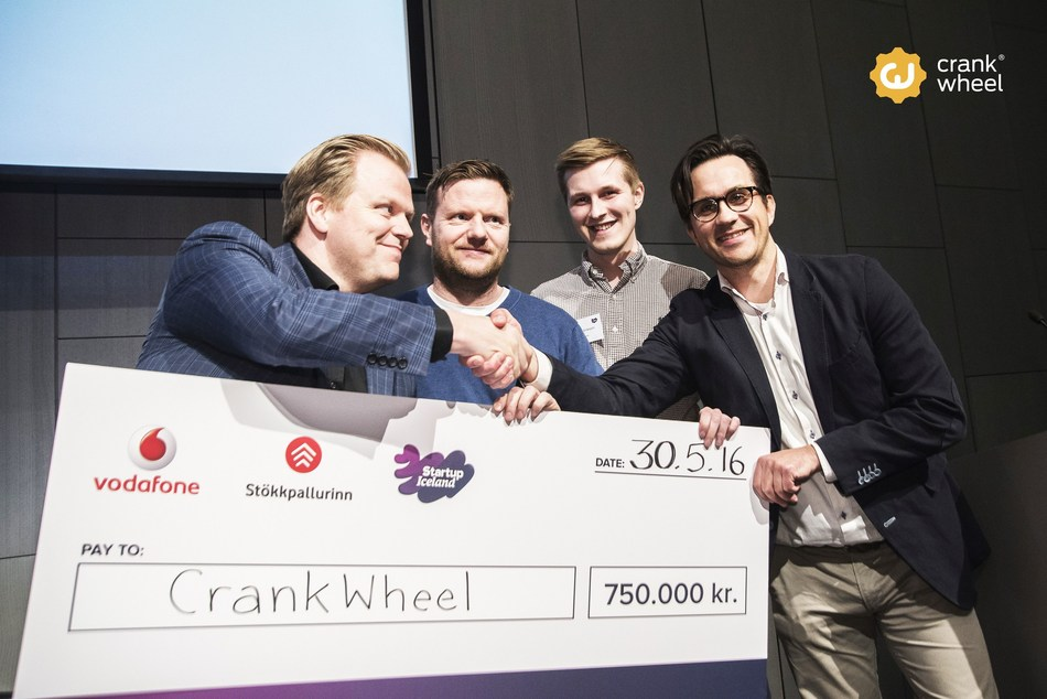 CrankWheel's CEO Joi Sigurdsson, CSO Gilsi Sigvaldson and Programmer Johann Eiriksson receiving the winning check from Vodafone.is
