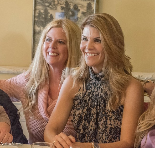 Debra Bailey and When Calls the Heart star Lori Loughlin at the Hearties Family Reunion (Photo by Ardra Morse)