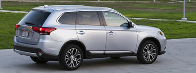 libertyville mitsubishi compares new outlander against new toyota rav4. Black Bedroom Furniture Sets. Home Design Ideas