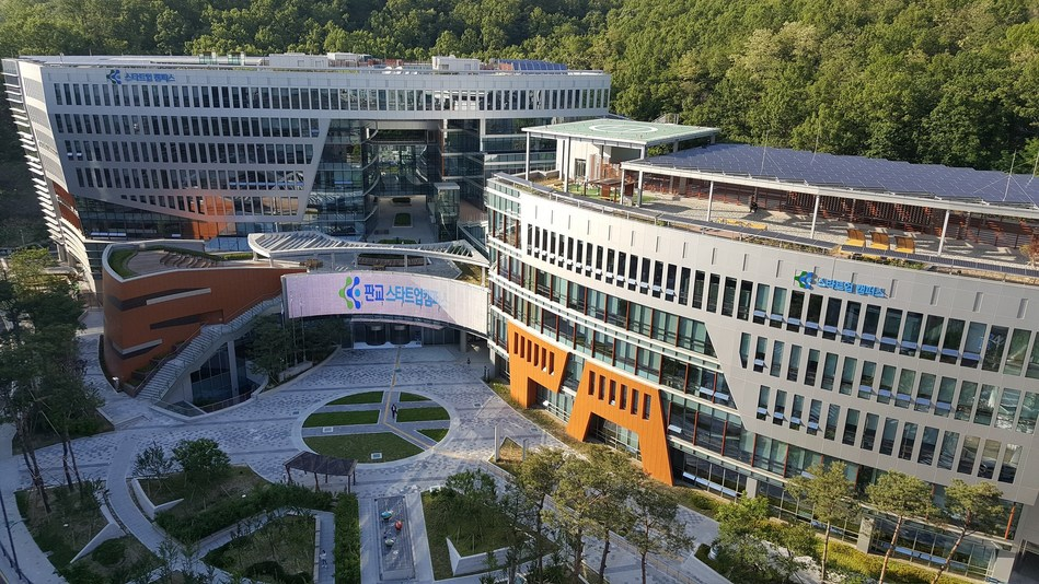 The K-ICT Born2Global Centre announced its plan to diversify Korea's startup scene by attracting talented workers from around the world and create an environment that enables Born-Global startups to grow based on strong foundations overseas.