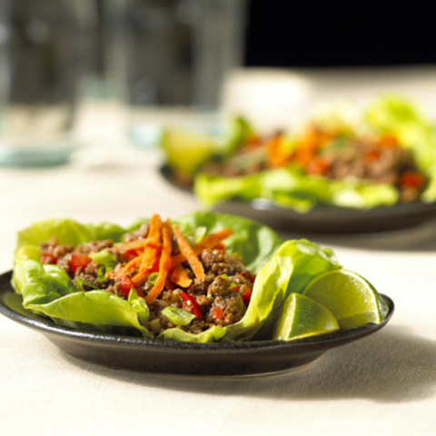 Korean Beef Lettuce Cups are a balanced way to eat your meat, using lots of veggies combined with good-for-you ground beef. (CNW Group/Merkato Inc.)