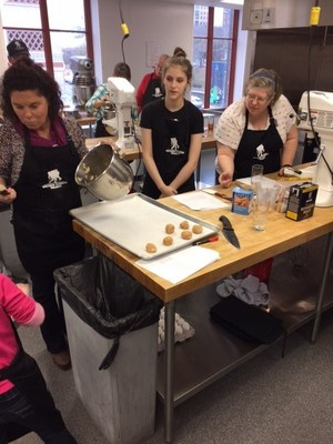 During a recent Wounded Warrior Project(R) (WWP) connection event at a cooking school, professional chefs helped injured veterans and family members bake and decorate holiday cookies.