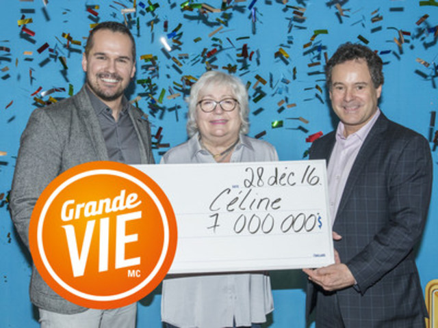 Patrice Lavoie, Director, Public Affairs, Press Relations and Social Media at Loto-Québec, and Richard Trudel Director of Customer Service and Draws, are on either side of Céline Meilleur. (CNW Group/Loto-Québec)