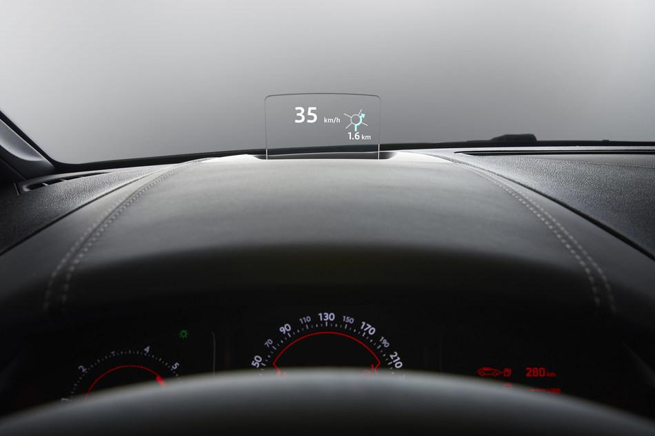 Visteon combiner head-up display on Citroen DS 5.