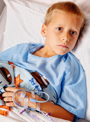 Pediatric patient with the ivWatch Model 400 for the early detection of peripheral IV infiltrations.