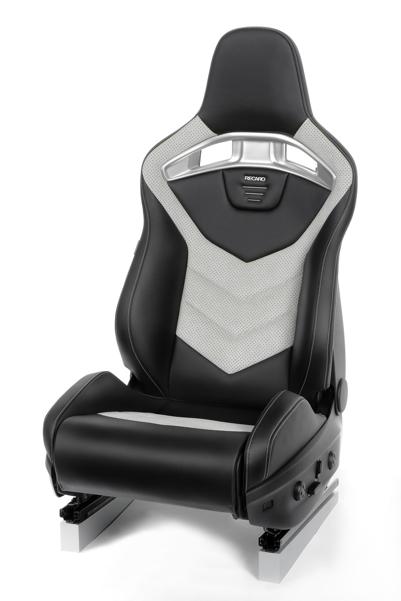Luxury Power Performance concept seat (PRNewsFoto/RECARO Automotive)