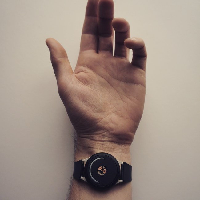 doppel: the first wearable that changes your mood