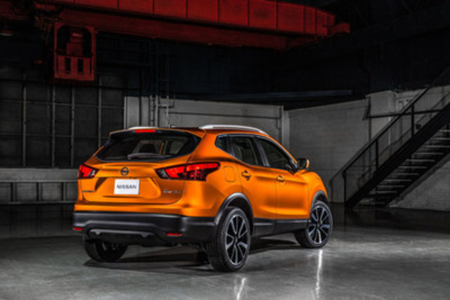Nissan debuts latest addition to its Canadian lineup at NAIAS -– 2017 Nissan Qashqai (CNW Group/Nissan Canada Inc.)