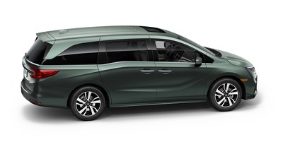 The 2018 Honda Odyssey was unveiled today at the 2017 North American International Auto Show. The all-new Odyssey comes with a host of family-friendly innovations coupled and class benchmark performance designed to keep it firmly at the top of the minivan segment. (PRNewsFoto/American Honda Motor Co.)