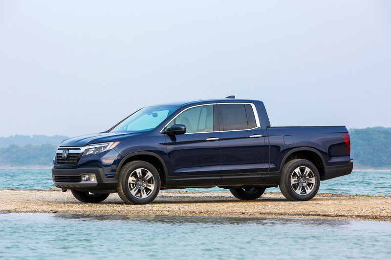 The all-new 2017 Honda Ridgeline was named the 2017 North American Truck of the Year today. (PRNewsFoto/American Honda Motor Co., Inc.)
