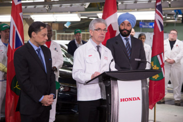 Brad Duguid, Ontario Minister of Economic Development and Growth, Jerry Chenkin, President and CEO, Honda Canada Inc., and Navdeep Bains, federal Minister of Innovation, Science and Economic Development at Honda of Canada Mfg. on January 9, 2017. (CNW Group/Honda Canada Inc.)
