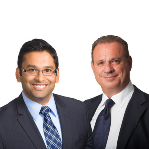 (L to R): Stephen Rupnarian, Partner, Tax Advisory, Collins Barrow Toronto LLP; Enzo Testa, Practice Area Leader, Tax Advisory, Collins Barrow Toronto LLP (CNW Group/Collins Barrow Toronto)