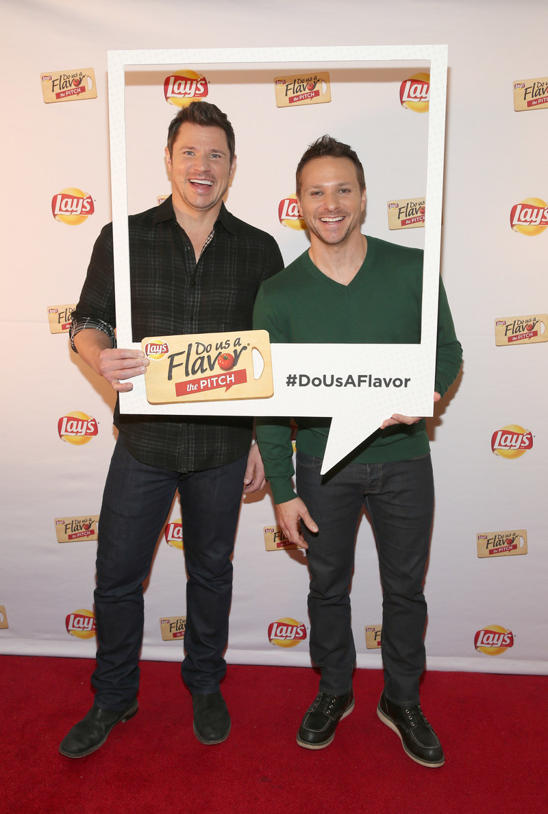"""Multiplatinum recording artists Nick and Drew Lachey ham it up as they announce Lay's """"Do Us a Flavor"""" 2017 at Carolines on Broadway Monday, Jan. 9, 2017 in New York. The latest installment, """"The Pitch,"""" invites fans to simply pitch the inspiration behind their best flavor ideas. Fans can submit their pitches starting today at Lays.com. (Photo by Mark Von Holden/Invision for Lay's/AP Images)"""