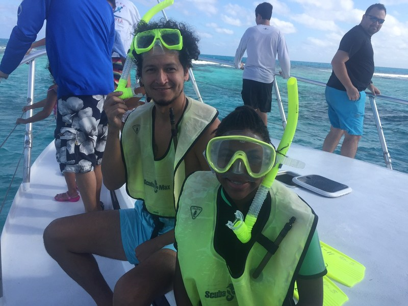 A group of injured veterans and family members had a front row seat to view the Florida Keys wildlife during a recent Wounded Warrior Project(R) (WWP) snorkeling excursion.