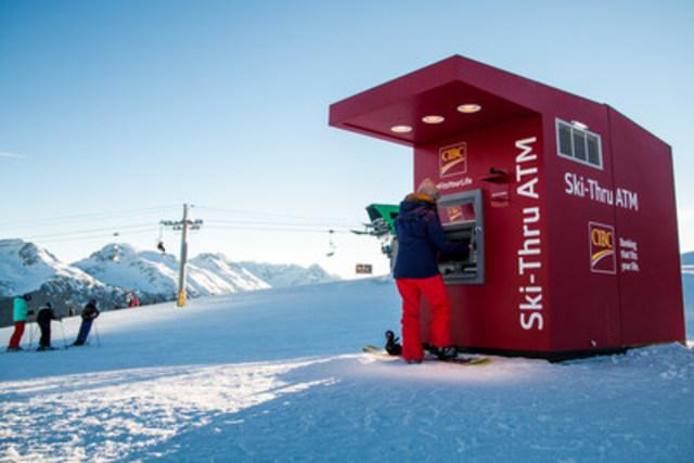 Les services bancaires de la Banque CIBC atteignent de nouveaux sommets avec l'installation du premier guichet automatique pour skieurs du Canada, au sommet du mont Whistler, à la station de ski Whistler Blackcomb. (Groupe CNW/Banque CIBC)