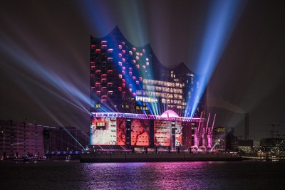 The spectacular light display on the facade of the Elbphilharmonie, Hamburg's new landmark Copyright: Hamburg Musik gGmbH/Rihm (PRNewsFoto/Elbphilharmonie Hamburg)