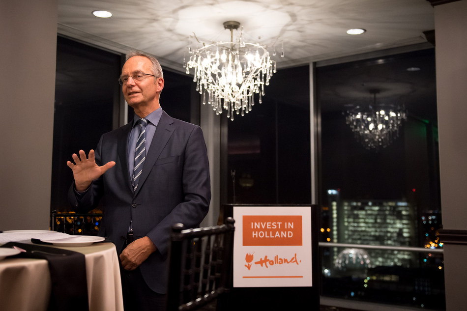 On Jan. 10, 2017 Netherlands Minister for Economic Affairs, Henk Kamp, HRH Prince Constantijn van Oranje and a Dutch delegation met with Silicon Valley executives from Dolby, GoPro, LinkedIn, Netflix, Oracle, DuPont, Applied Medical, Google, Uber and other companies that have operations in the Netherlands, during an investment dinner. The meeting was part of a mission to spur companies to invest in Holland, thanks to the country's strong reputation for being pro-business and a gateway to Europe.