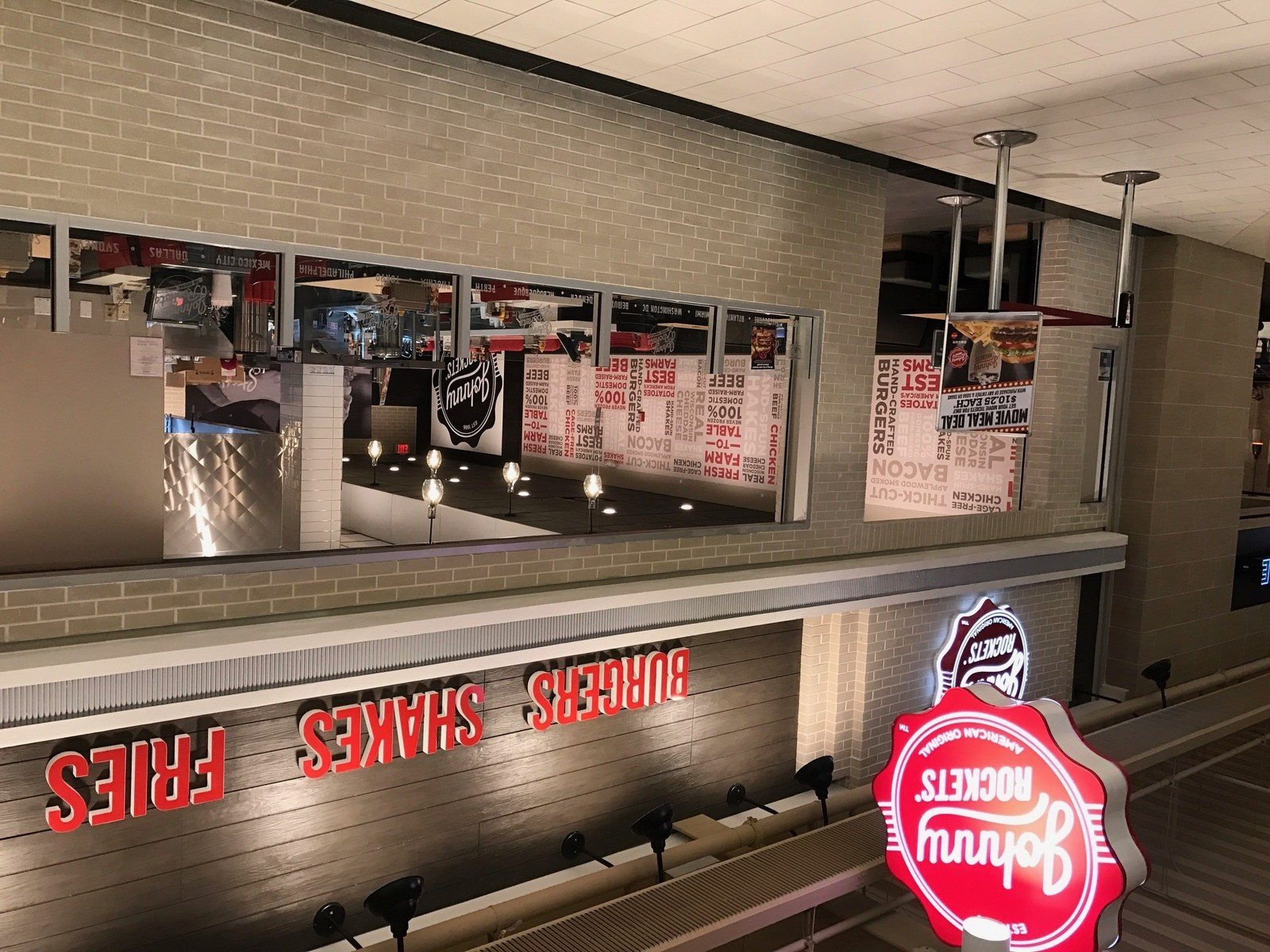 Now Open! Johnny Rockets Has a Whole New Look and Experience at the Palisades Center Mall in West Nyack, NY
