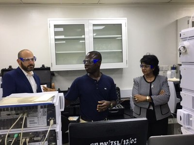 H.E. Ameenah Gurib-Fakim (right) the President of the Republic of Mauritius and a chemist by training, tours the Accra, Ghana, lab of the United States Pharmacopeial Convention (USP) Center for Pharmaceutical Advancement and Training (CePAT) with Ronald T. Piervincenzi, Ph.D. (left), chief executive officer, USP, and Geoffrey Togo of USP-Ghana (center).