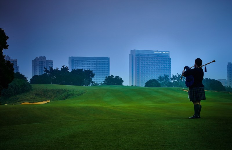 The Ritz-Carlton, Haikou ushers in a new era of luxury leisure experiences, situated on  the world-class golf resort of Mission Hills which boasts ten 18-hole championship courses designed by golf's greatest architects.