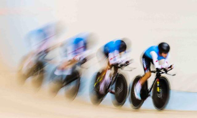 La poursuite par équipes de cyclisme sur piste, L'Équipe Canada (Crédit photo : Mark Blinch/ Comité olympique canadien) (Groupe CNW/Canadian Olympic Committee)
