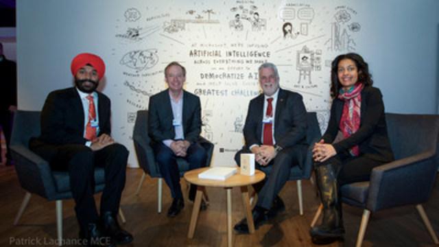 Davos, Suisse, le 18 janvier 2017. À l'occasion du Forum économique mondial de Davos, le président de Microsoft, Brad Smith, a annoncé qu'à la suite de l'acquisition de la firme montréalaise Maluuba, Microsoft vise d'ici deux ans à doubler la taille de cette jeune entreprise qui œuvre dans le domaine de l'intelligence artificielle (IA) et de la compréhension du langage par les machines. M. Smith était accompagné du premier ministre, Philippe Couillard, de la ministre de l'Économie, de la Science et de l'Innovation, Dominique Anglade, et du ministre de l'Innovation, des Sciences et du Développement économique du Canada, Navdeep Bains. (Groupe CNW/Cabinet du premier ministre)
