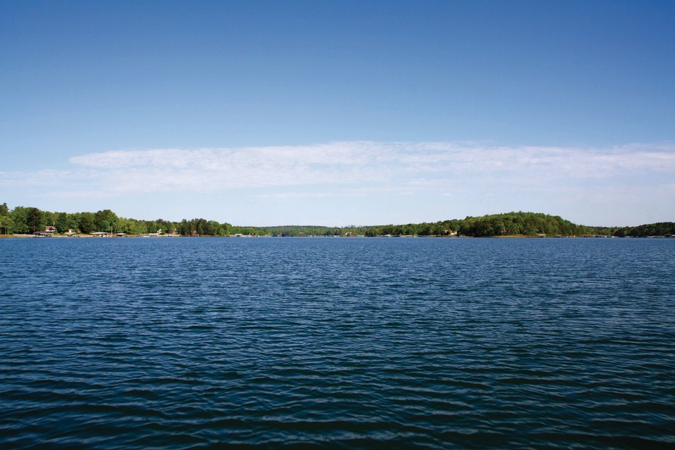 Deep Water, Big Lake Views and Convenient Location on Smith Lake.