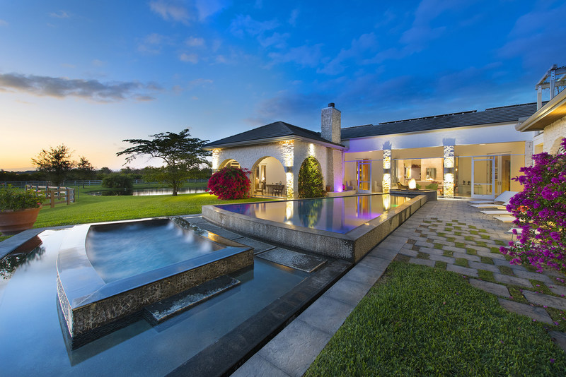 This 15- acre equestrian estate in Wellington, Florida, will be sold at a live auction on February 25, 2017, Platinum Luxury Auctions has announced. Although recently listed for $11 million, the property will now be offered to the highest bidder who meets or exceeds a bid of only $4 million. Platinum is managing the luxury auction(R) sale in cooperation with listing agent Matthew Johnson of Engel & Völkers in Wellington, FL. Discover more at WellingtonLuxuryAuction.com.
