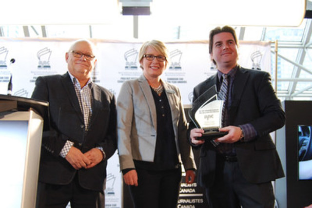 Sandra Lemaitre, Mazda Canada's Director of Public Relations, receiving the Automobile Journalists Association of Canada award for Best New Innovation Technology for 2017.  Photo credit: Automobile Journalists Association of Canada (CNW Group/Mazda Canada Inc.)