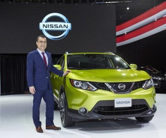 Joni Paiva, président de Nissan Canada Inc. avec le Nissan Qashqai 2017 (Groupe CNW/Nissan Canada Inc.)