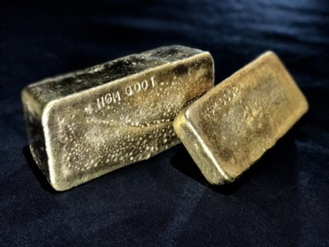Figure 2 – First Gold Bars from OceanaGold's Haile Gold Mine – Kershaw, South Carolina (CNW Group/OceanaGold Corporation)