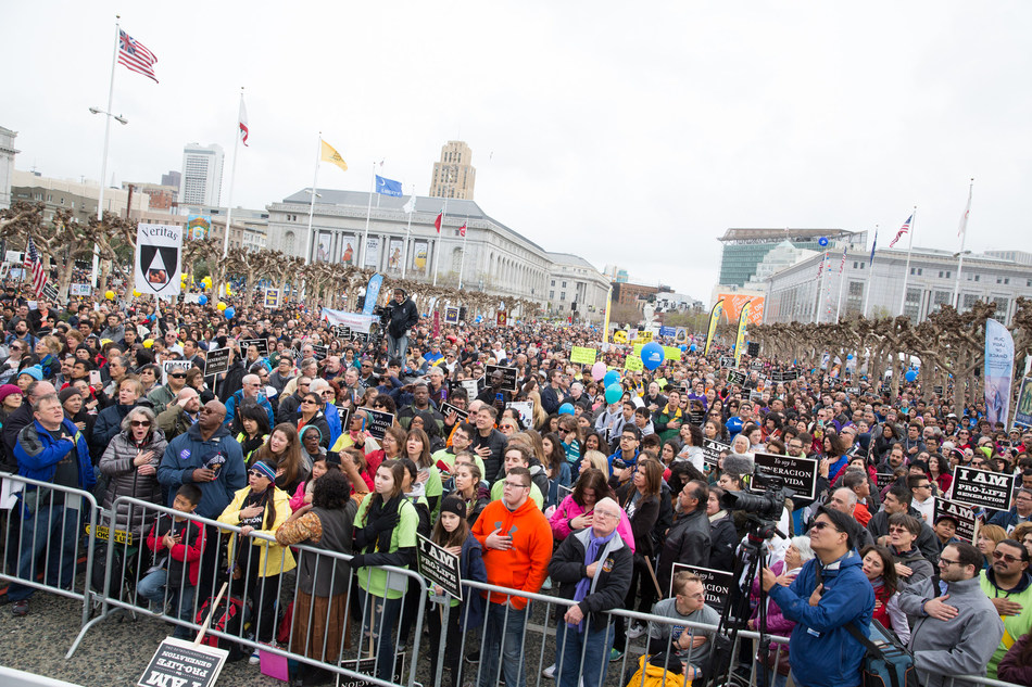 Tens of thousands of pro-lifers at San Francisco Civic Center Plaza for Walk for Life West Coast. Credit: Walk for Life West Coast/Jose Aguirre