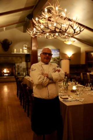 Local Chef Daryl Kerr named Chef of the Year (CNW Group/The Calgary Academy of Chefs and Cooks)