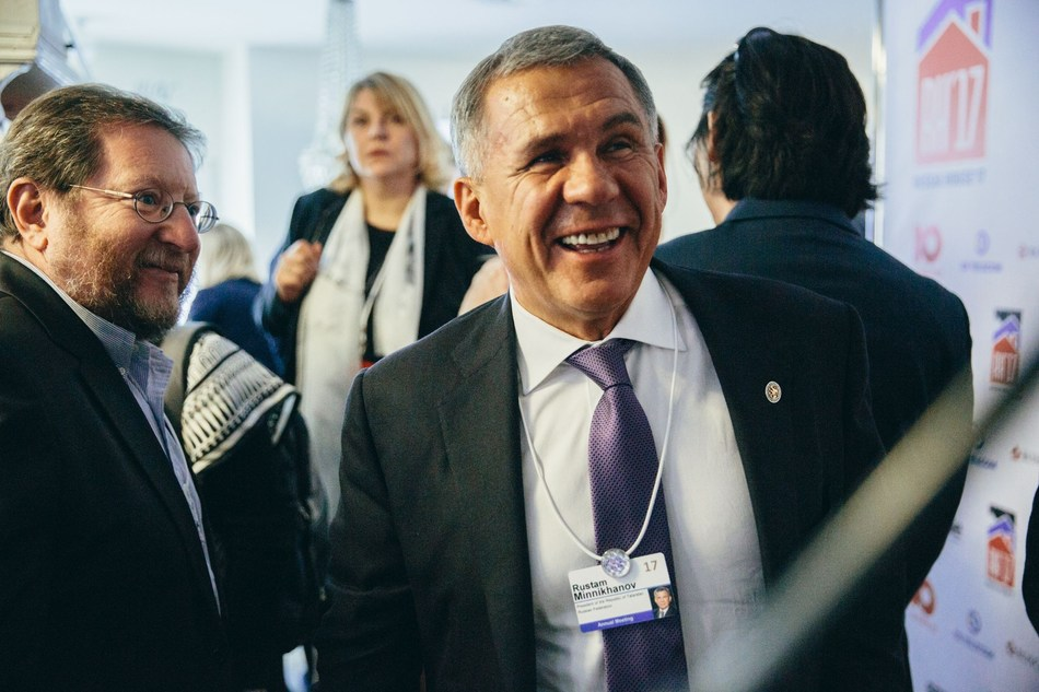 Rustam Minnikhanov, The President of the Republic of Tatarstan in RH17 (PRNewsFoto/Ulmart)
