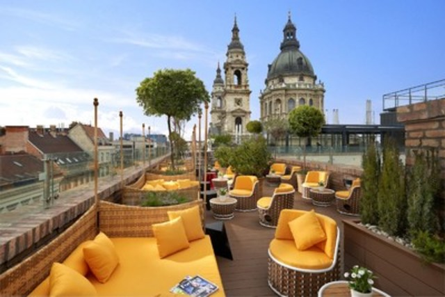 Aria Hotel Budapest, part of the Library Hotel Collection, named #1 Hotel in the World in 2017 TripAdvisor Travelers' Choice Awards (CNW Group/Siren Communications)