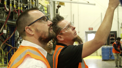 Dave Kindig, host of the Velocity Channel's popular show Bitchin' Rides, visits AkzoNobel's Pontiac, MI plant to start development of a new automotive paint line AkzoNobel and Kindig will introduce this November at the 2017 Specialist Equipment Market Association (SEMA) Conference in Las Vegas.