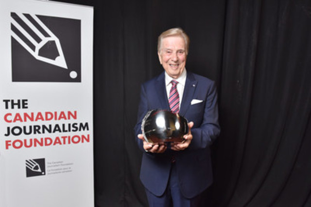 Lloyd Robertson, longtime chief anchor of CTV National News and now special correspondent to CTV News, was the 2016 CJF Lifetime Achievement Award recipient. (CNW Group/Canadian Journalism Foundation)