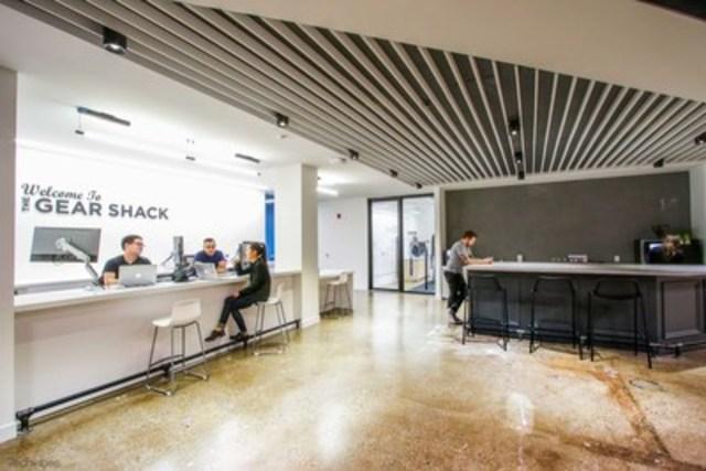 Le Gear Shack: L'équipe technique, installée au Gear Shack, veille à ce que toutes les fonctions numériques de l'établissement fonctionnent normalement. (Groupe CNW/Scotiabank)