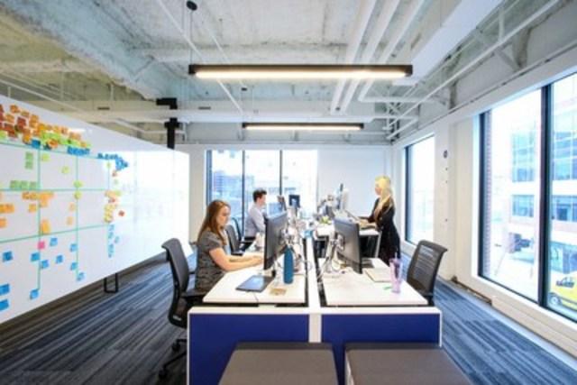 Les aires de travail: Les aires de travail ont été prévues pour optimiser la collaboration. Toutes les aires de travail sont modulables, afin de répondre aux besoins des équipes travaillant en groupe. (Groupe CNW/Scotiabank)