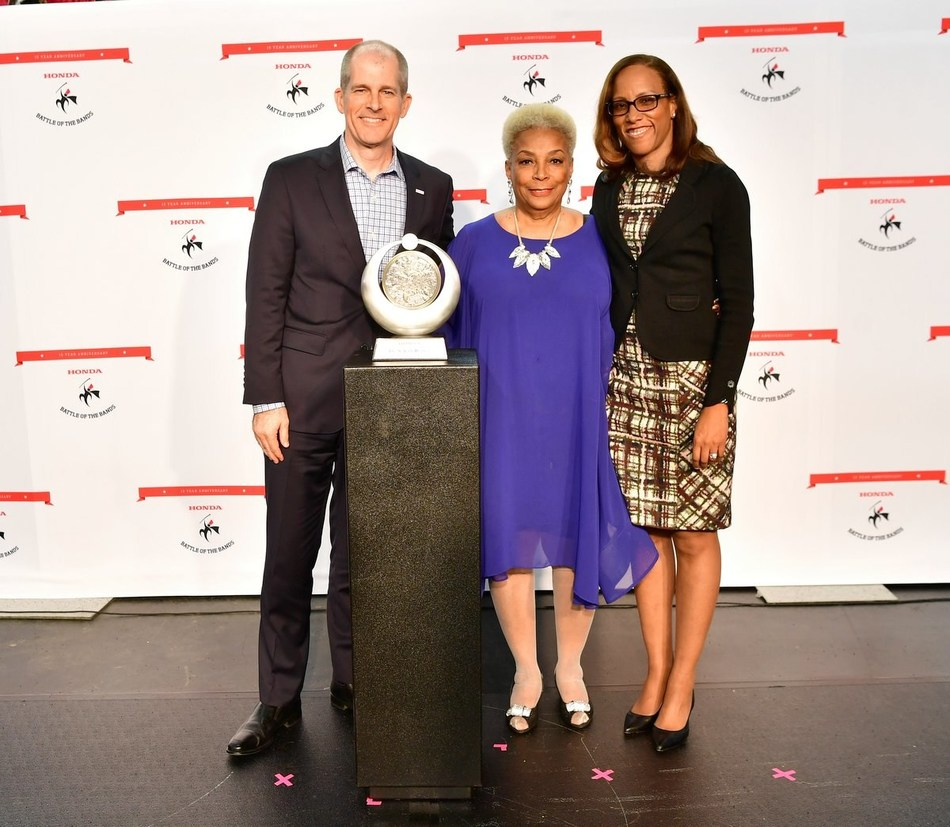 Honda honors Dr. N. Jean Hudley with the 2017 HBCU Power of Dreams Award.